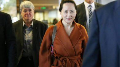 Photo of Huawei CFO Meng Wanzhou's Lawyers Accuse Trump and Trudeau of Meddling